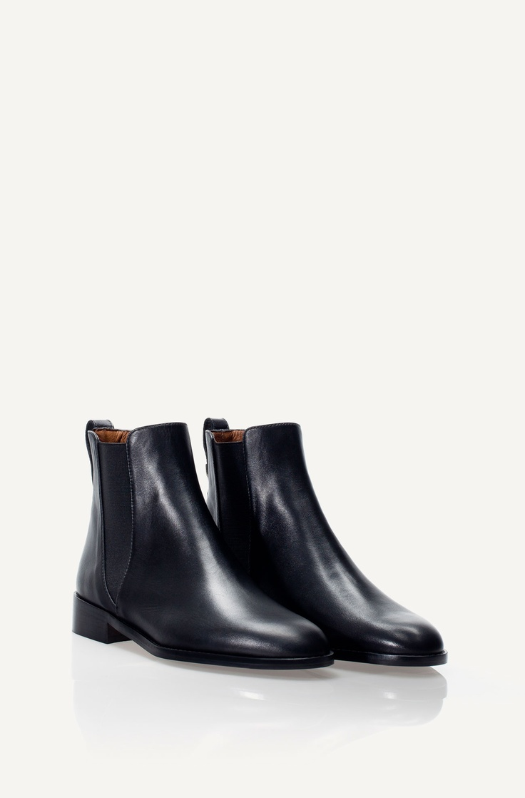 FLAT BLACK ANKLE BOOT - Shoes - WOMEN - Bulgaria