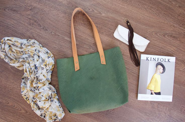 Leather shopper // Green textured veg tanned tote shopper
