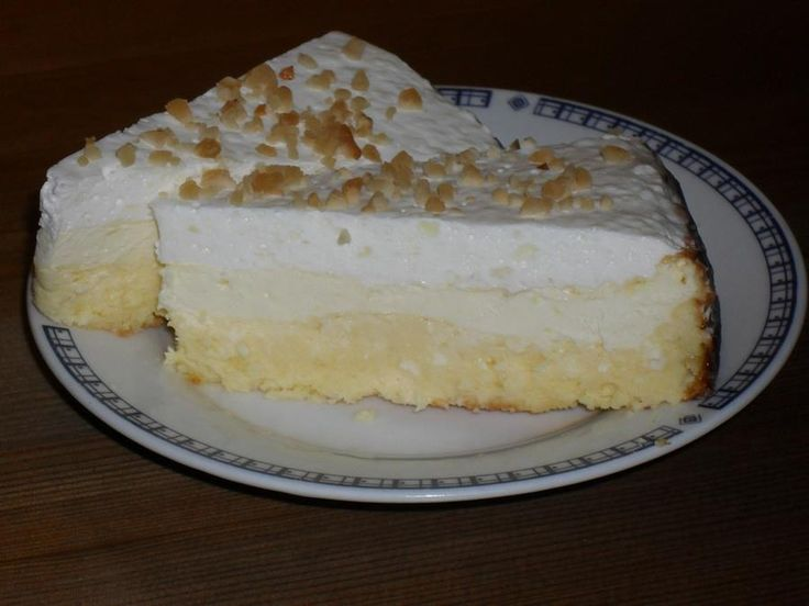 Örülhetnek a lisztérzékenyek és a cukorbetegek, no meg a fogyókúrázók, mert ez a torta kifejezetten nekik készült. Igazán finom desszert sok túróval és tejföllel, és még a születésnapot sem kell megvárni vele.