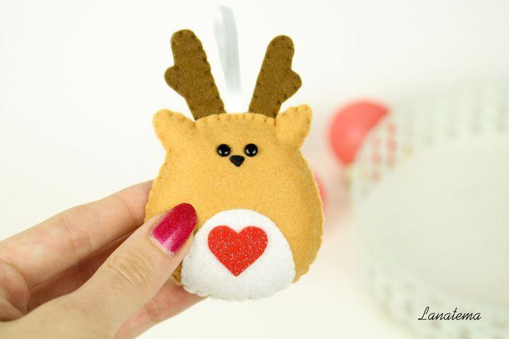 Renna addobbo natalizio in pannolenci, fatto a mano per albero di natale, feltro, cuore rosso brillantinato, regalo speciale, rudolph di Lanatema su Etsy