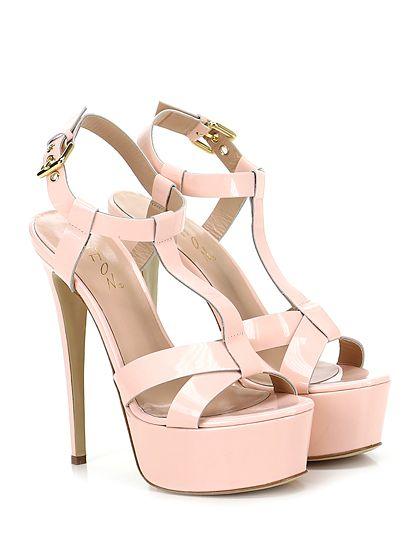 CHON - Sandalo alto - Donna - Sandalo alto in vernice con cinturino alla caviglia e suola in cuoio. Tacco 150, platform 50 con battuta 100. - CIPRIA - € 235.00