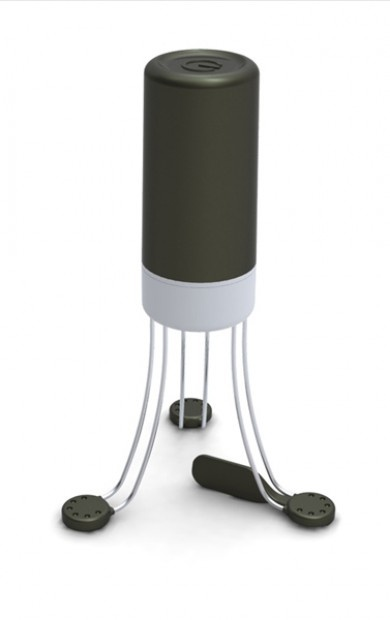 Yep, totally want this!!! Battery operated automatic sauce stirrer, which stirs so you don't have to. With just a push of a button, Stirr will smoothly turn by itself infusing flavours and preventing food sticking to the bottom of the pan. Use Stirr to prepare any sort of sauces, soups, custards, gravy and much more. http://www.uutensil.com/product.php5?id=102#