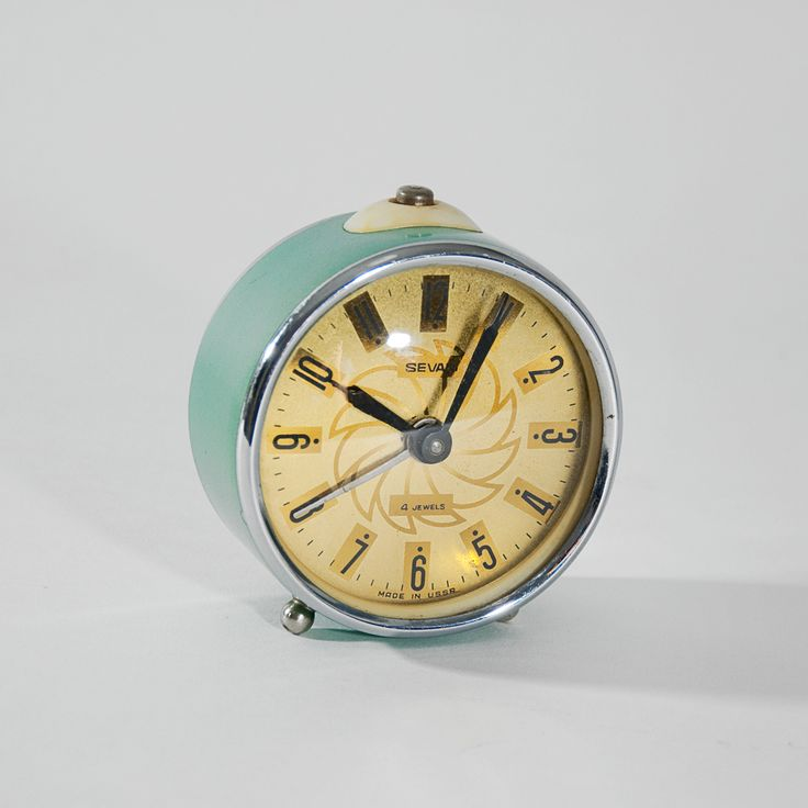 Budzik Sevani, radziecki, lata 70.   Sevani alarm clock, Soviet, 70s.   buy on Patyna.pl #clock #alarmclock #Sevani #Soviet #ZSRR #USSR #decor #decoration #inspiration #retro #vintage #gadget #design #mechanical #MANUhomedesign