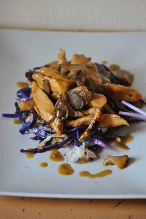 Pollo all'orientale con funghi e cavolo cappuccio