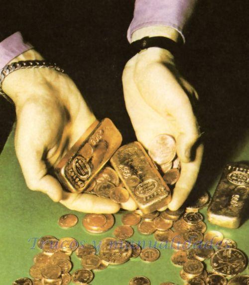 Durante alguna crisis internacional, el precio de la onza de oro puede aumentar 4 dólares, en una sola mañana, en la bolsa de Londres. El oro es un metal...
