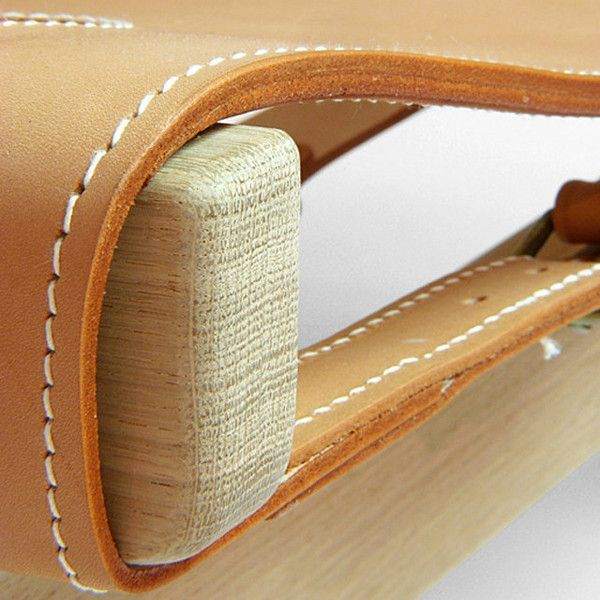 Leather detail of Børge Mogensen's Spanish Chair  showing precise stitches sown by hand. #fredericiafurniture #amodernoriginal #designcraft #danishdesign #danskdesign #borgemogensen #børgemogensen #spanishchair #spanskstol #loungechair #stol #chair #craftsmanship #behindthescenes #howitsmade
