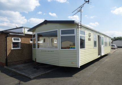 2006 Brentmere Newbury for sale on a choice of parks in Towyn, Abergele. The caravan is in excellent condition throughout. It benefits from double glazing and central heating and more mod cons such as integrated fridge freezer. It will sleep a family of 8 using the sofa bed. £19,995 Sited and connected!