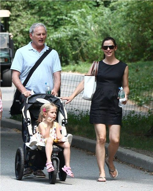 Jennifer Garner & Her Central Park Pals