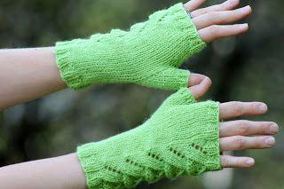 Lizard Lovers fingerles gloves free pattern