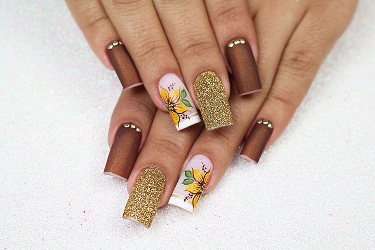 Unhas Decoradas com Flores Faceis (Girassol) - Ana Paula Villar