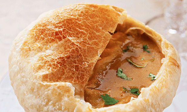Creme de sapateira em crosta de massa folhada. Uma apresentação chique para um prato diferente e que vai impressionar.