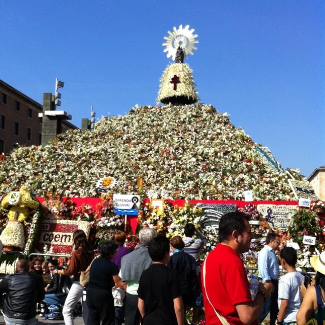 La Virgen del Pilar en Zaragoza, el día de la Hispanidad