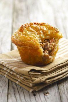 Die Lekkerste Hoenderpasteie (Yummiest chicken pies) - South African Recipes