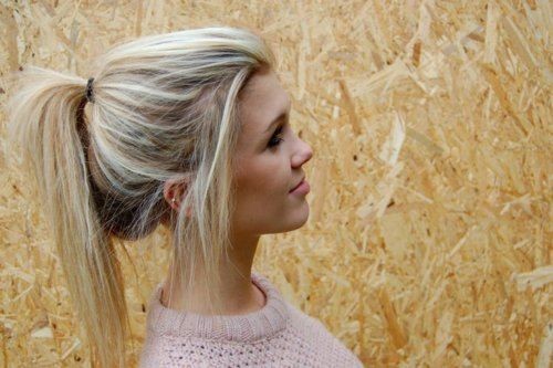 I would kill to have my ponytails look like this.. just one time.