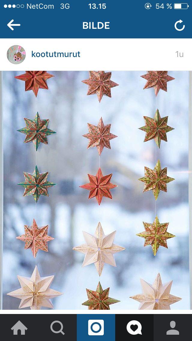 Julepynt i vindu eller på vegg