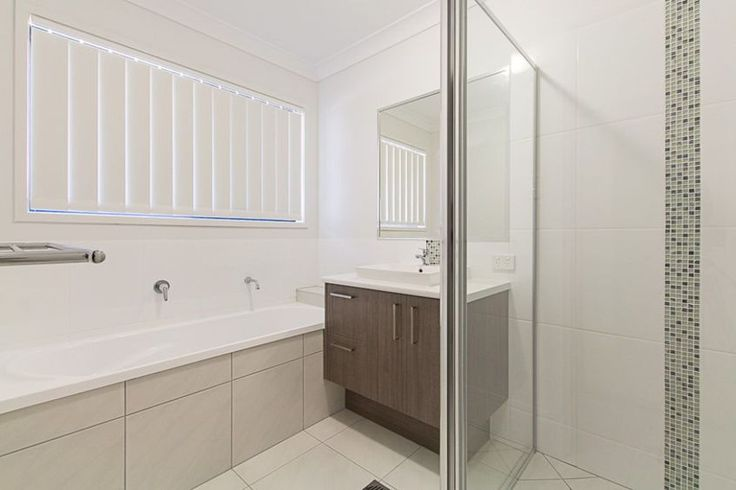 Crest 200 - Bathroom