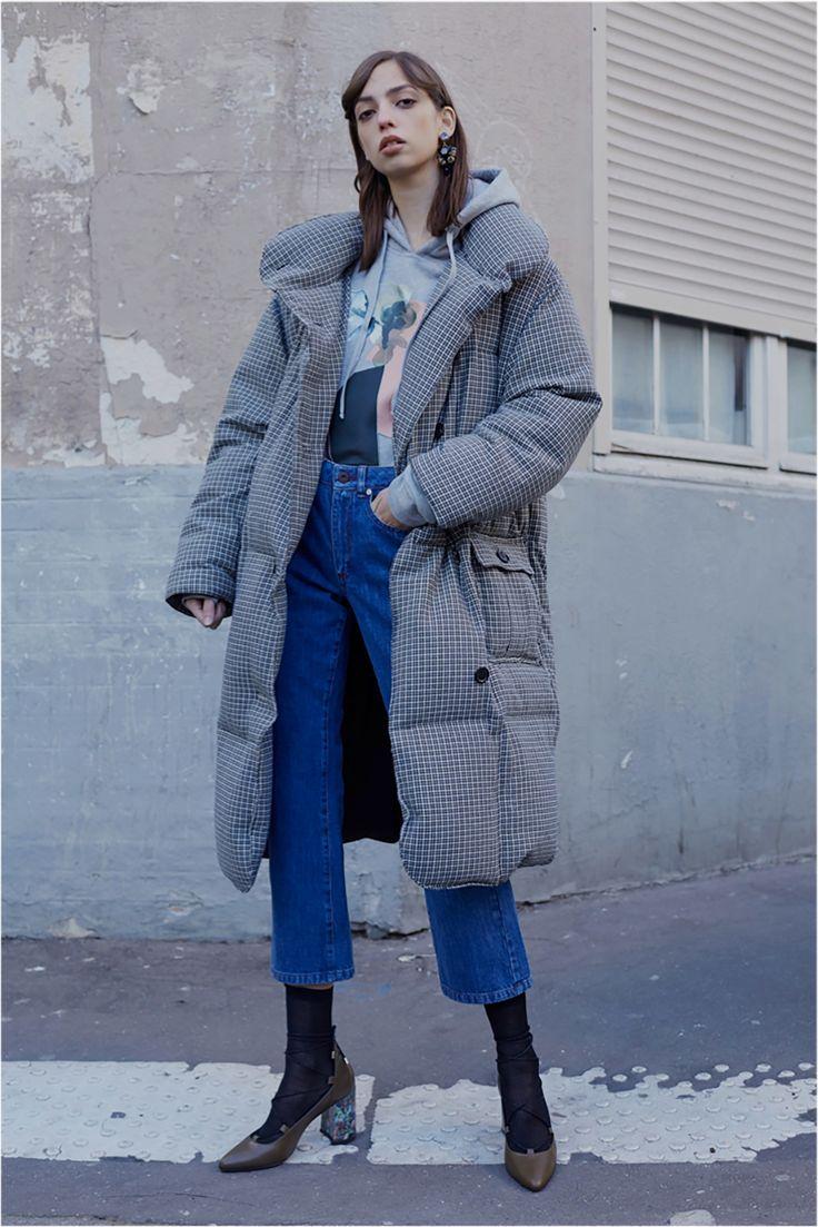 http://www.vogue.com/fashion-shows/pre-fall-2017/paul-joe/slideshow/collection
