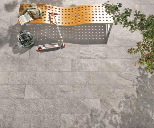 IneOut collection, Percorsi Quartz, Grey colour 30x60 12''x24''. Enjoying your freetime! #outdoor #ceramictile #keope