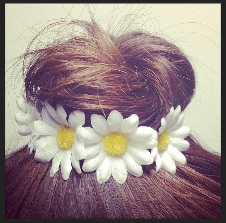 White Daisy Flower Bun Hair Tie