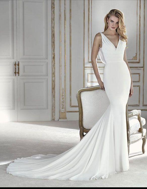 40 best La Sposa by Pronovias images on Pinterest | Hochzeitskleider ...