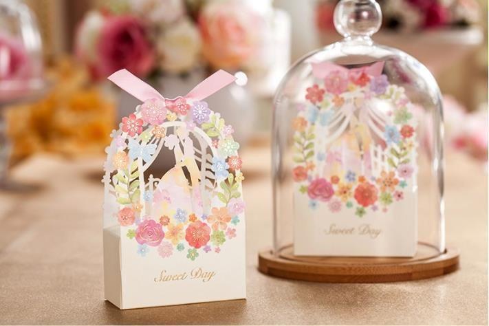 цветок Роскошные свадьбы партии комплект 50 шт свадебные приглашения карта + 50 шт свадьба конфеты коробка событие для вечеринок