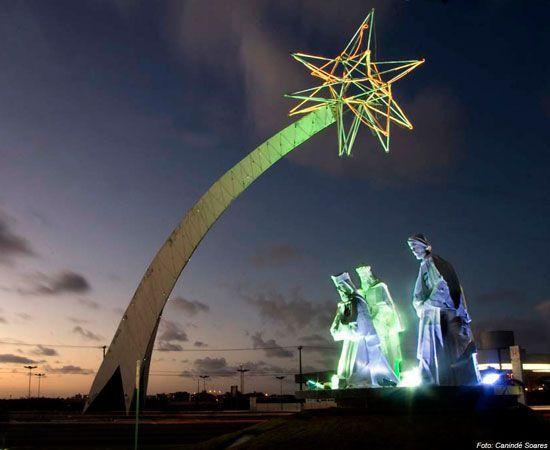 Resultado de imagem para pórtico dos reis magos natal noite