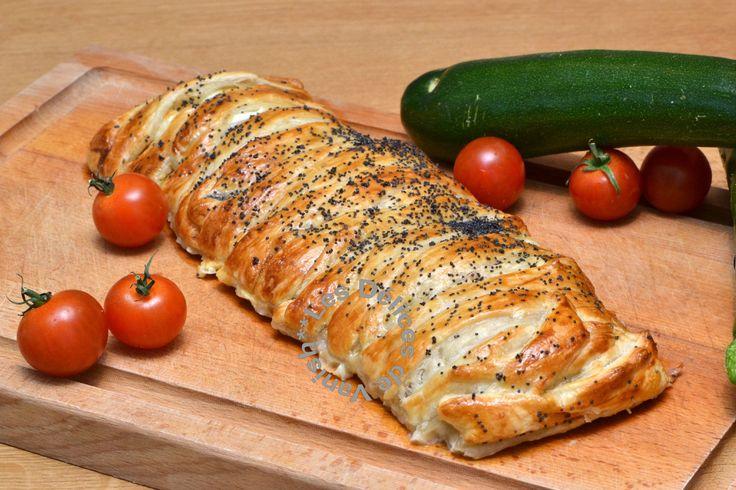 Feuilleté, roulé, légumes du sud, Excellente recette que j'ai réalisé avec du bacon et une pâte brisée (faute d'avoir du jambon de pays et la pâte feuilletée...un vrai délice et très facile à faire. Même mon frère pourrait y arriver