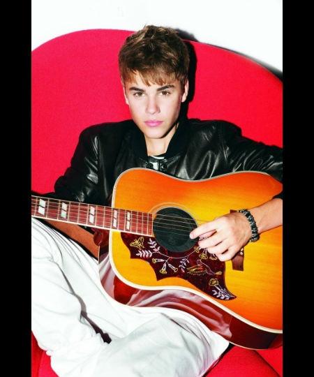 Justin Bieber: Under The Mistletoe Photoshoot 2011 - For more info visit: http://belieberfamily.com/2012/09/20/justin-bieber-photoshoot-2011-under-the-mistletoe/