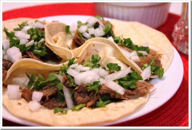 Tacos de Barbacoa de Lengua de Res (beef tongue barbacoa tacos)