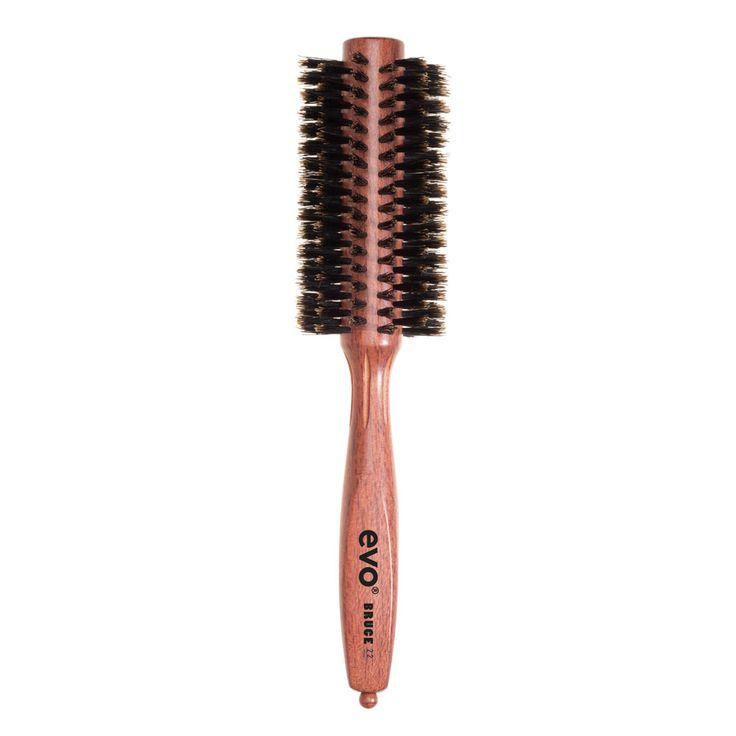 """EVO borstel """"Bruce""""  Gebruik deze borstel om recht en glad haar te krijgen, of om volume en veerkracht aan alle haartypen toe te voegen. Speciaal geschikt voor kort, dik, golvend / krullend haar.  Als je glad en glanzend haar wilt, dan is dit de borstel die je zoekt.  #evosaveus"""
