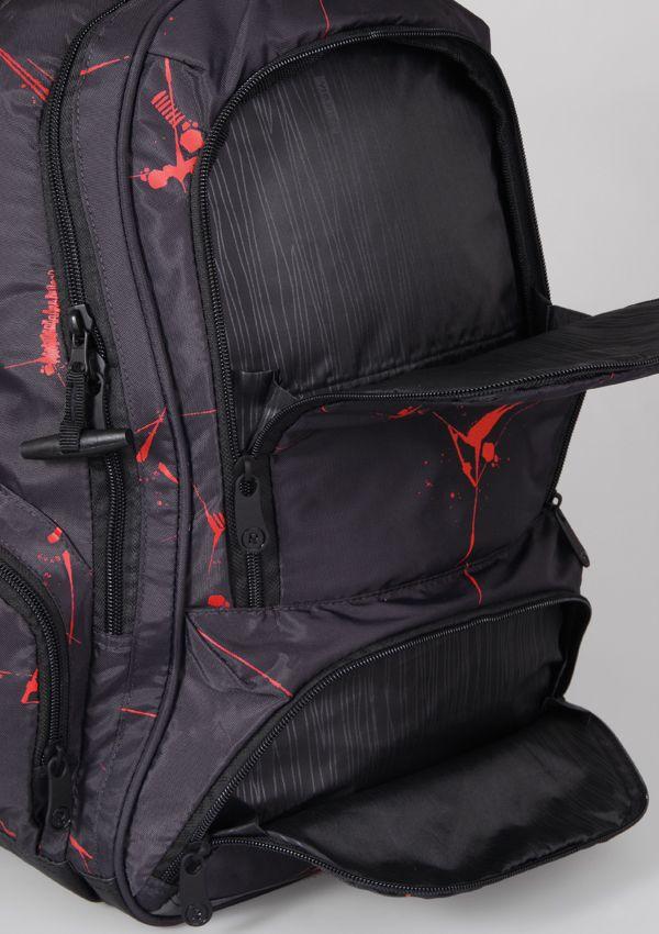 Topgal dba o szczegóły- w plecakach Euforia są to estetyczne wykończenia podszewki np. czarna w metaliczne paseczki. Wyraźna inspiracja miastem, sztuką uliczną, tańcem...