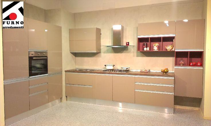 Imab Group - cucina modello Positano, laccata visone lucido con particolari col. marsala ml. 5,40 (3,60 + 1,80) completa di lavastoviglie. Sconto 60%  Scopri i dettagli su:http://www.furnoarredamenti.it/outlet/ #furnoarredamenti #cucine #cucinecomponibili #offerte #occasioni #outlet
