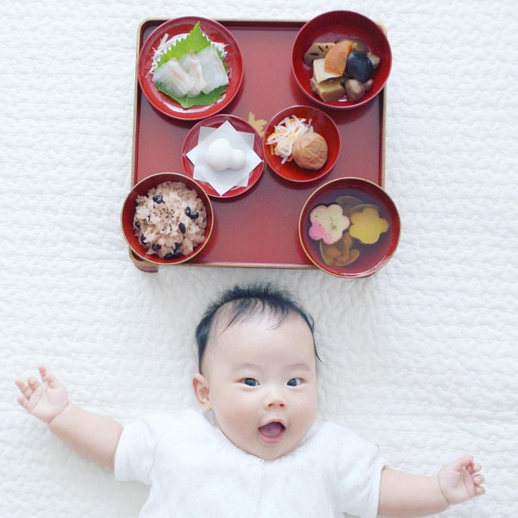 . #お食い初め . おかげさまで無事に娘が生後100日目を迎えることができました。娘が食べるわけじゃないので簡易メニューですがお食い初めを。メニューは簡易ですが、#歯固め石 はとってもこだわりました。なにをかくそう @a10o12 さんに選んでもらったという…詳しくは次のpicにて . #生後100日 #育児 #子育て