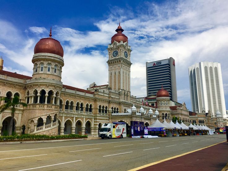 Merdeka Square is the cornerstone of Malaysia's history. Learn all about it on the blog.