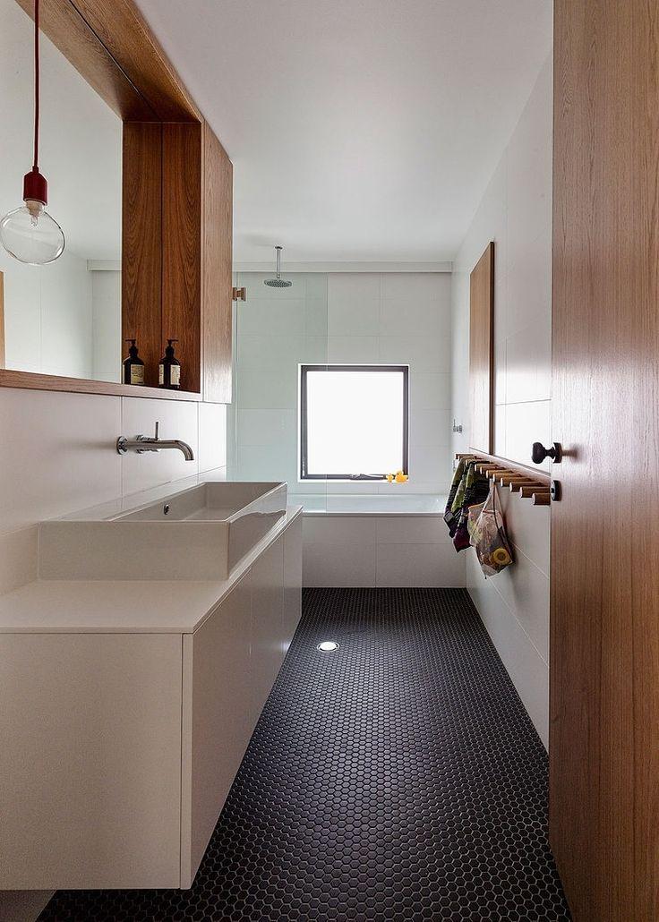 Lovely bathroom - like floor tiles House Boone Murray by Tribe Studio Architects