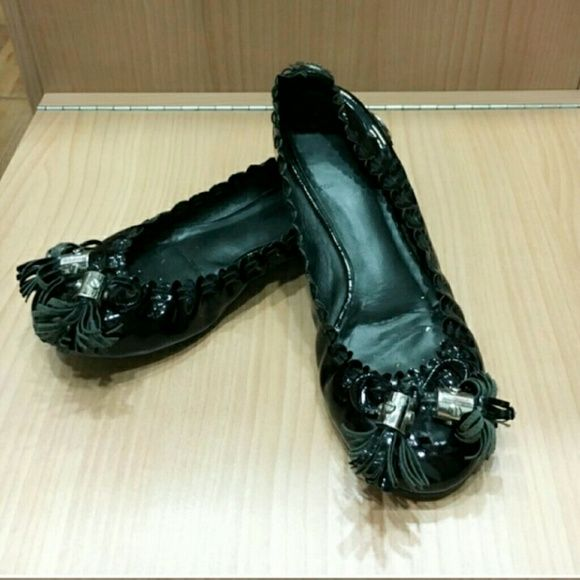 Torry Burch Patten leather ballet flats In good condition.  Gently used Tory Burch Shoes Flats & Loafers