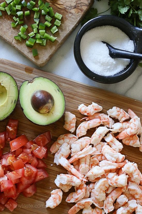 Zesty Lime Shrimp and Avocado Salad – a delicious, healthy salad made with shr…