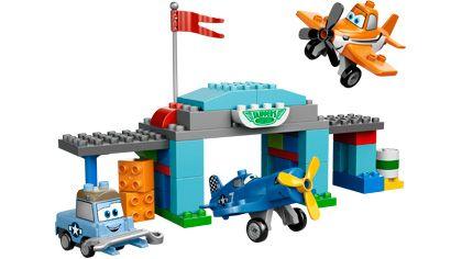 Skipper's Flight School - 10511