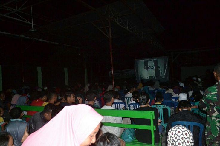 Warga Sumbawa Antusias Saksikan Film G30S/PKI