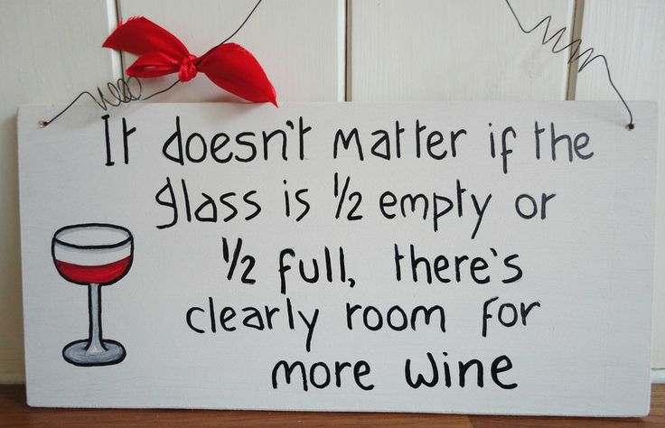 SHABBY & CHIC PLAQUE WINE LOVERS PLAQUE GLASS 1/2 EMPTY OR 1/2 FULL