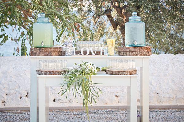 http://774588307.r.lightningbase-cdn.com/wp-content/gallery/unique-ideas-new/refreshment-table-lemonade-stand.jpg