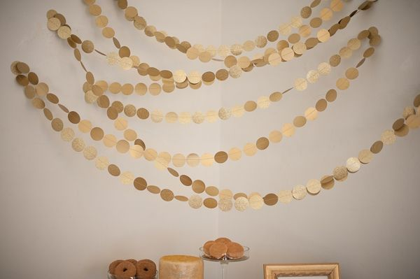 gold dot garland // photo by Jasmine Nicole Photography