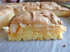 Воздушная шарлотка, или тарт с яблоками и безе
