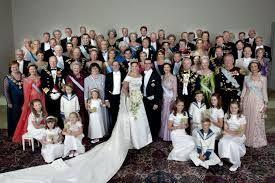 Billedresultat for bryllupsbillede med familie