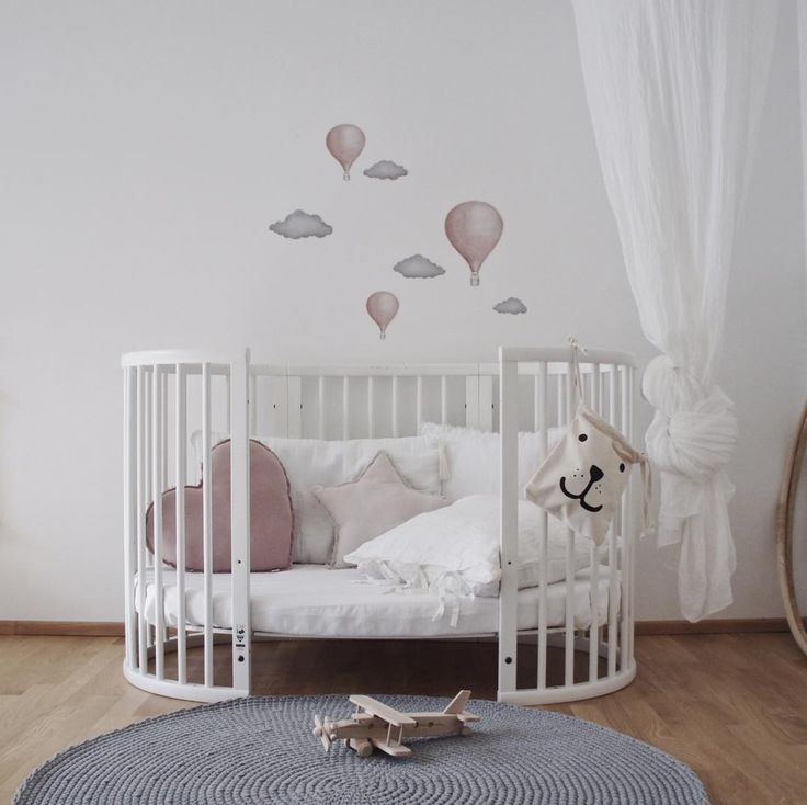 The classic Stokke Sleepi Cot let's you update your look as bub grows up! 🎈  _ #nurseryinspo #nurserydecor #nurseryfurniture #stokke #stokkesleepi #stokkebaby #babycot #babycrib #crib #baby #babylove #babystyle #babyshop #babylife #babyvillagestore #repost 📷 @blhome | @stokkebaby