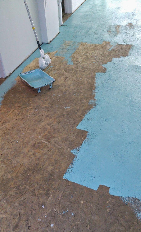 Dans le Lakehouse : DIY Painted Particle Board Floor (Mmmm, Teal)