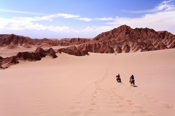 A cheval dans le désert d'Atacama au Nord du Chili #atacama #ChevaldAventure