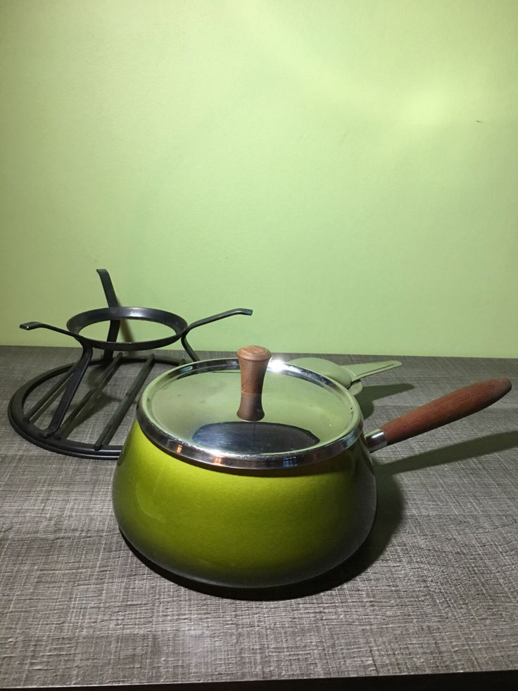 Le chouchou de ma boutique https://www.etsy.com/fr/listing/471671878/service-a-fondue-suisse-ancien-et-sa