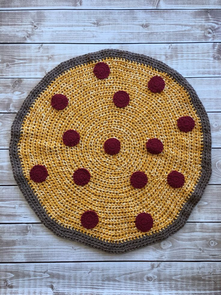 Crocheted Full Pizza Blanket Pattern by BrookeCrafts on Etsy https://www.etsy.com/listing/499289534/crocheted-full-pizza-blanket-pattern