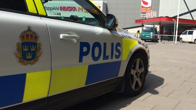 De Zweedse politie is zwaar onder vuur komen te liggen, omdat het Keulse toestanden tijdens een festival in Stockholm afgelopen zomer en tijdens de jaarwisseling in Malmö doelbewust onder de pet heeft gehouden.